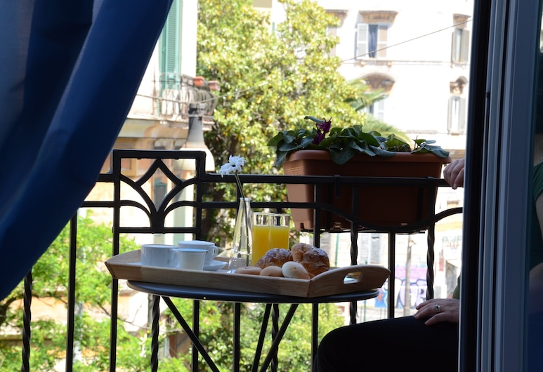 Adelina Guesthouse, Rome, Standard Room, City View, Tower, Guest Room