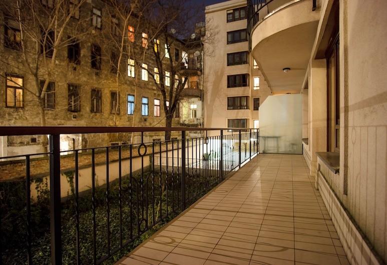 Budapest Heart Apartment, Budapeszt, Apartament rodzinny, 2 sypialnie, wanna (1075. Hollo utca 12-14. no. 105), Balkon
