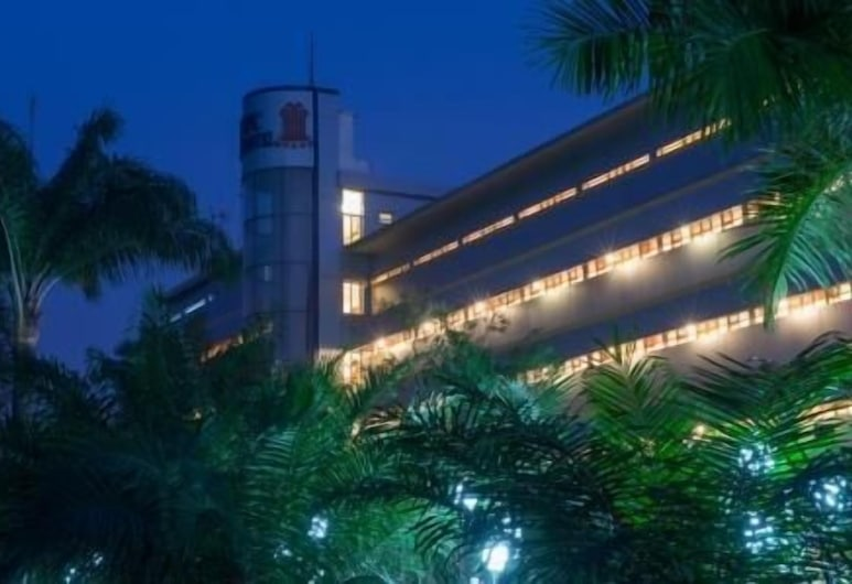 Olympic Palace, Brazzaville, Hotel Front – Evening/Night