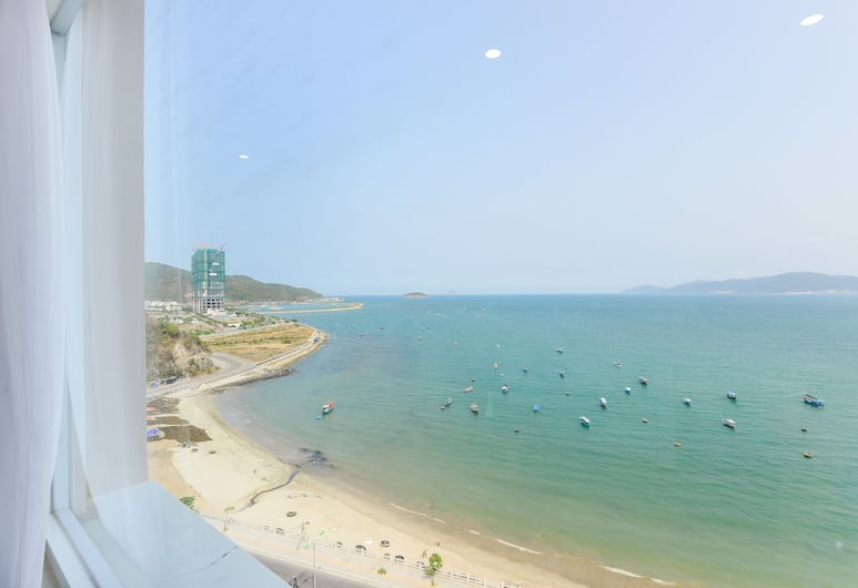 Tri Giao Hotel, Nha Trang, Luxury Suite, Beach/Ocean View