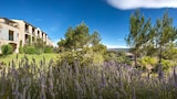 Reserve this hotel in Mallemort, France
