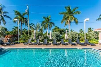 Picture of Santa Barbara Villas by RealEstate Gizmo in Pompano Beach