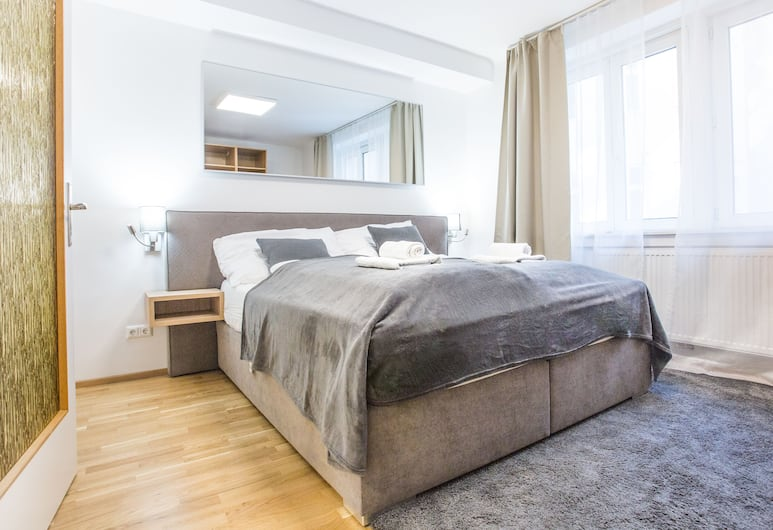 SKY9 Apartments Margareten, Vienna, Premium Apartment, 1 Bedroom, Kitchen, Room
