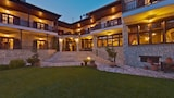 Reserve this hotel in Pyli, Greece
