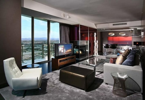 One Bedroom Suite Palms Resort Book Place By Airpads Las Vegas Nevada Hotels Com