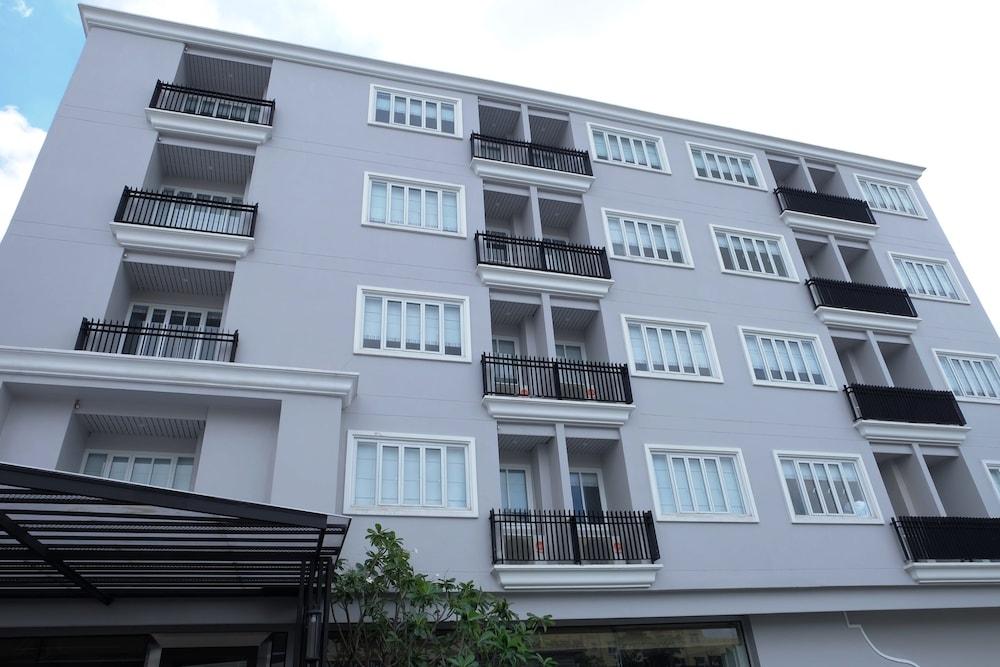 Methavalai Residence