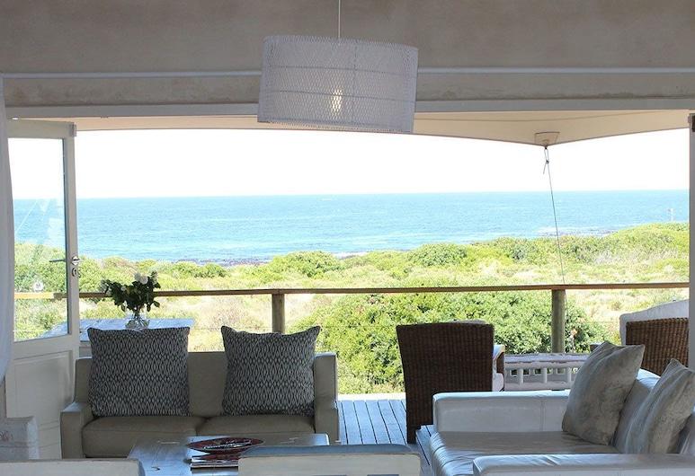 ザ オーシャン ヴィラ, ヘルマナス, ファミリー ハウス 4 ベッドルーム (Ocean Villa), リビング エリア