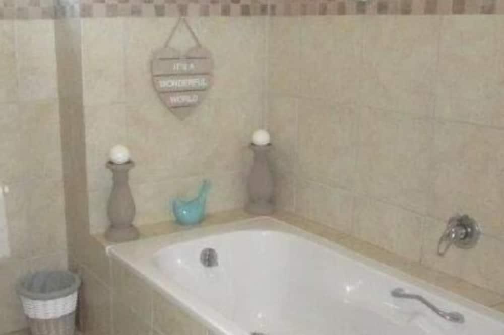 Глубокая ванна