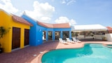 Choose this Villa in Noord - Online Room Reservations