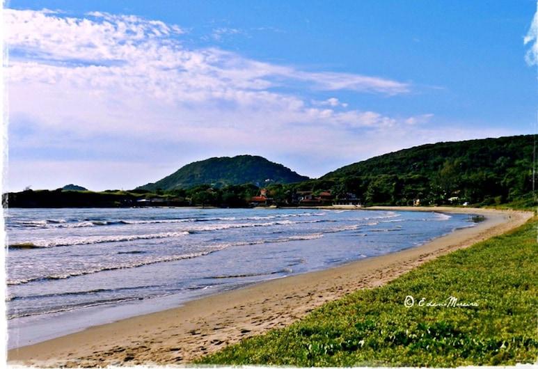 OYO Rasa Hotel, Buzios, Pláž