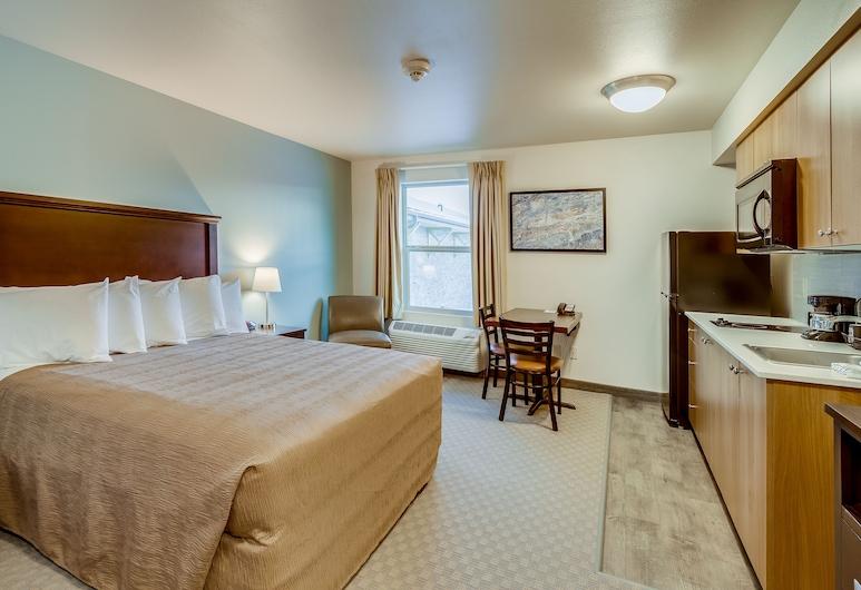 Aptel Studio Hotel, Anchorage, City Studio, City View, Guest Room