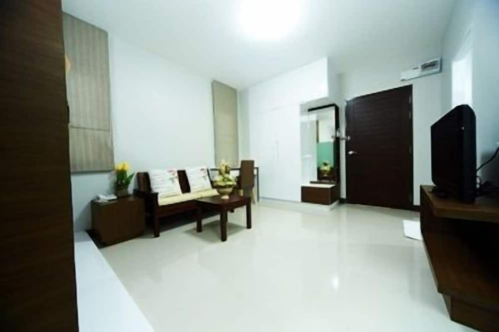 Suite with Balcony - Living Area