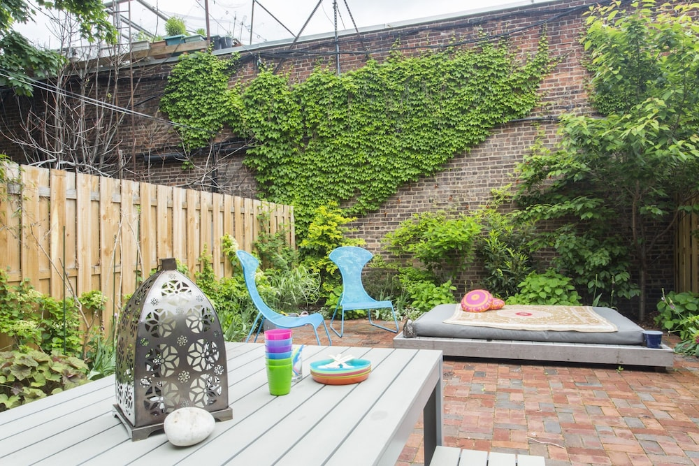 Book onefinestay - Carroll Gardens private homes in Brooklyn ...