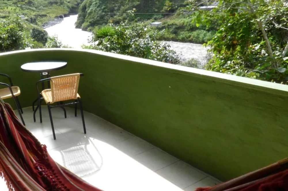 Deluxe Room, 1 Katil Raja (King), Balcony, Mountain View - Balkoni