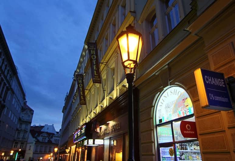 Old Prague Hotel, Praga, Facciata hotel (sera/notte)