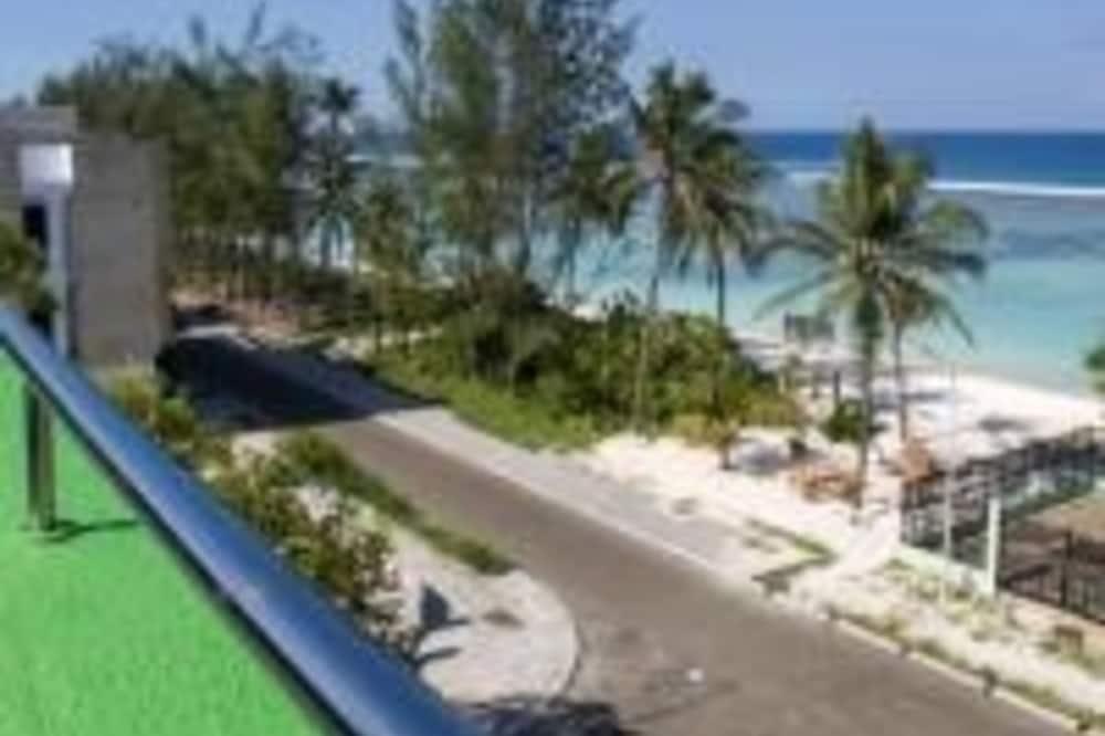 Deluxe Queen Room - Beach/Ocean View