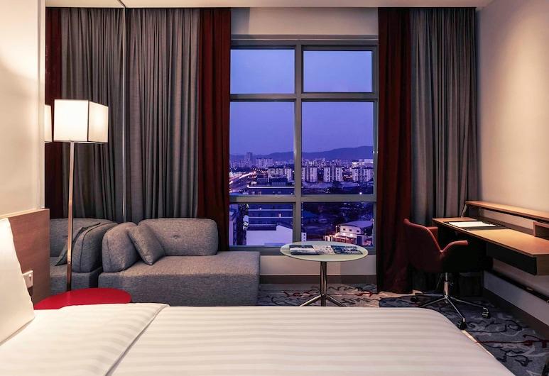 Mercure Kuala Lumpur Shaw Parade, Kuala Lumpur, Executive Room, 1 Queen Bed, Guest Room View