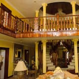 Luxury Villa, 1 King Bed, Private Pool, Garden View - Living Area