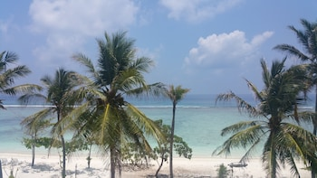 Picture of Hathaa Beach Maldives in Hulhumalé