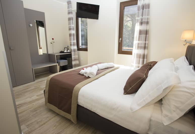 Leonardo Da Vinci Guest House, Rome, Classic Double Room, Guest Room