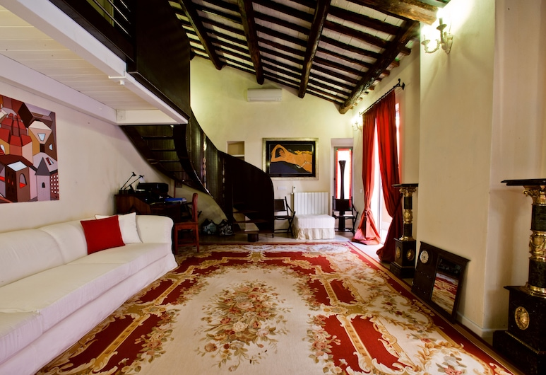 LM Suite Spagna, Rome, Interior Entrance