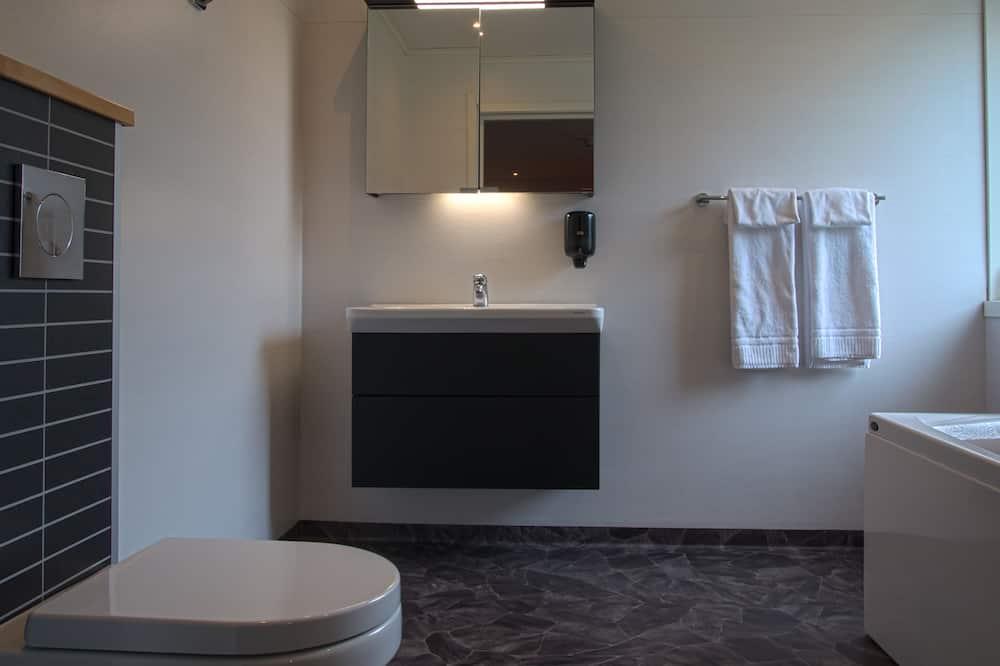 Dvojlôžková izba, súkromná kúpeľňa - Kúpeľňa