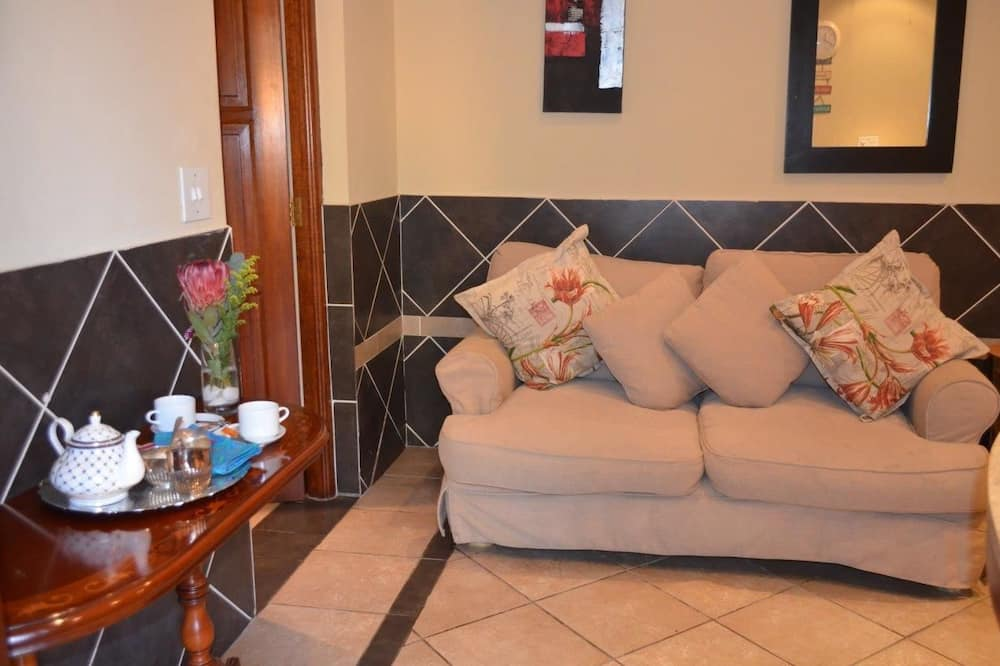 Self-Catering Room  - Living Area