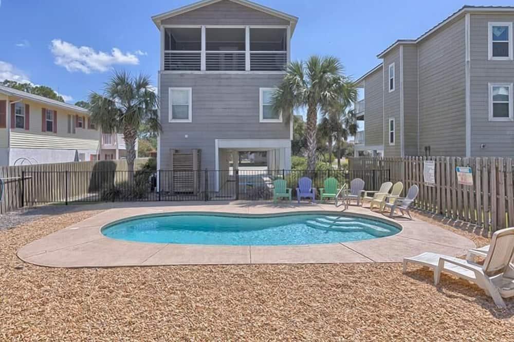 Apartment, 4 Bedrooms - Pool