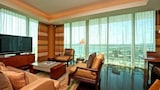 Choose this Apartment in Bal Harbour - Online Room Reservations