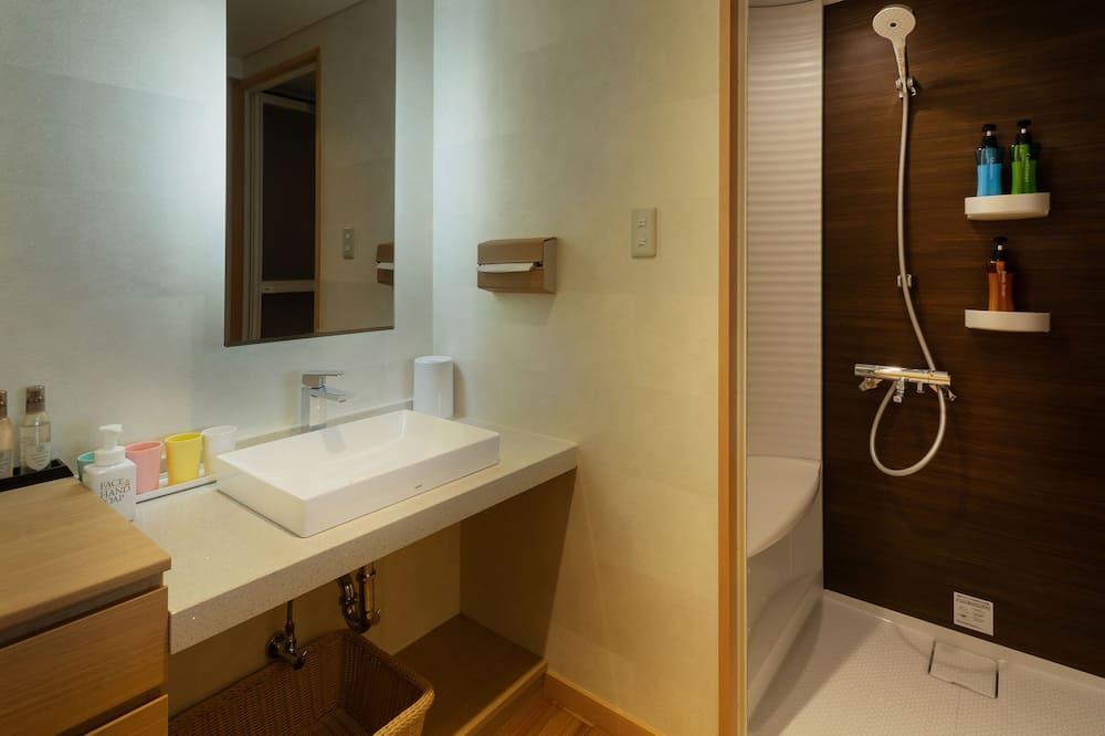 Superior-Zimmer, Nichtraucher (with Shower Room) - Badezimmer