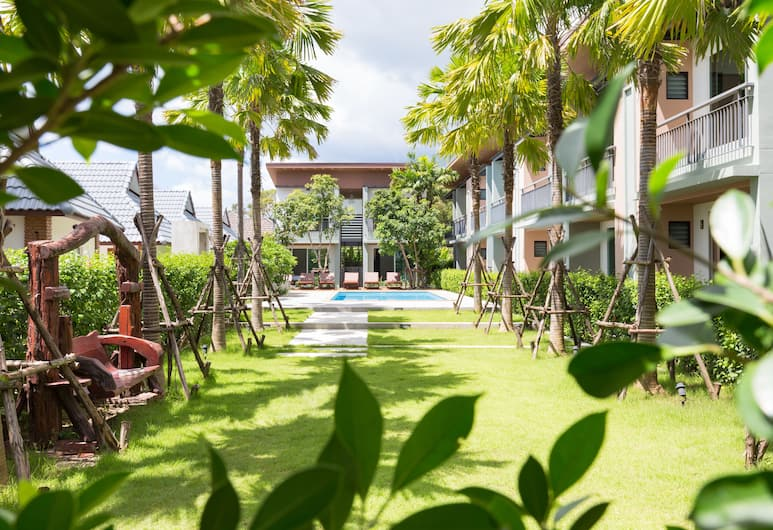 Parida Resort, Choeng Thale, Deluxe Twin with Pool View, Αυλή