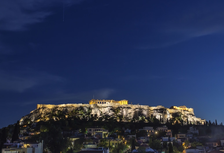 NS Place, Atény, Výhľad zo zariadenia