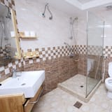 standartinis dvivietis kambarys - Vonios kambario dušas