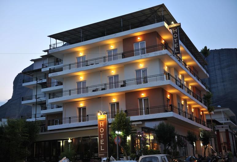 Edelweiss Hotel, Καλαμπάκα, Πρόσοψη ξενοδοχείου - βράδυ/νύχτα