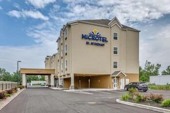 Mynd af Microtel Inn & Suites by Wyndham Niagara Falls í Niagara-fossar