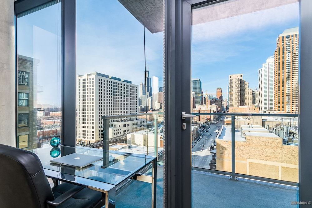 Furnished Suites In South Loop Chicago Apartment 2 Bedrooms Living Room
