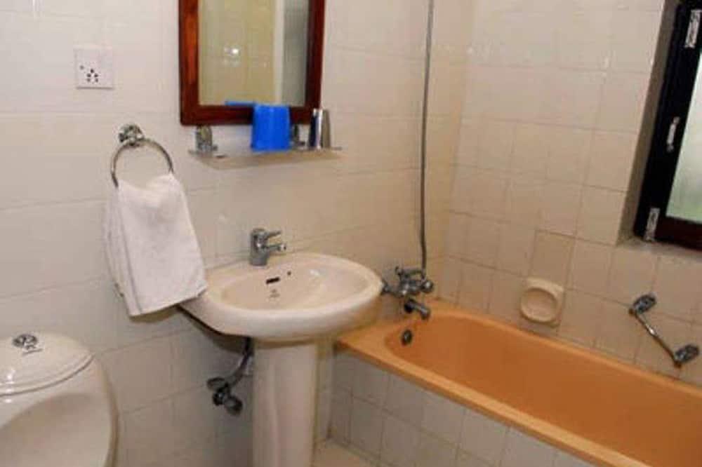 豪華雙床房, 1 間臥室, 花園景 - 浴室