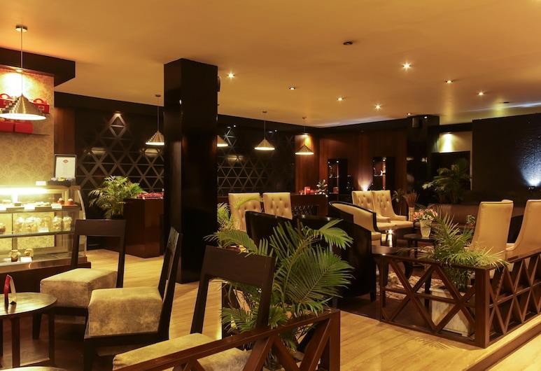 HOTEL POLO TOWERS SHILLONG, Shillong, Entrada Interior