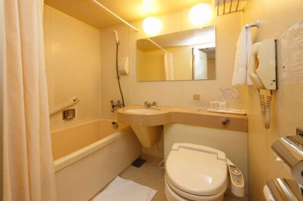 Standard - kolmen hengen huone, Tupakointi sallittu - Kylpyhuone