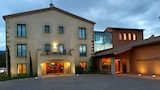 Reserve this hotel in La Vall d'en Bas, Spain