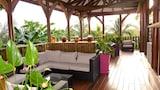 Gần  - Goa-đê-lốp (quần đảo):