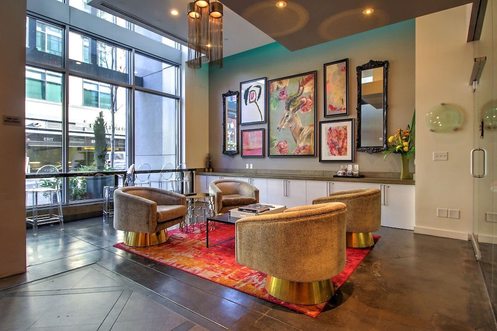 Furnished Suites In The Pearl District Portland Lobby Sitting Area