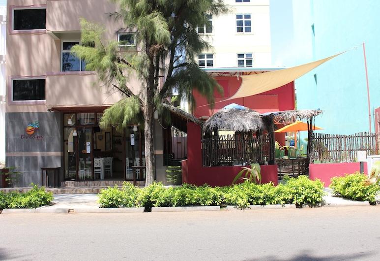Dream Relax, Hulhumalé, Hadapan Hotel