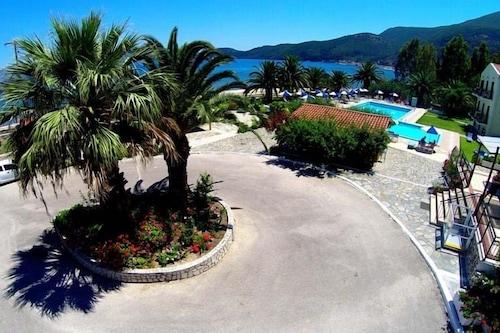 薩米海灘飯店/