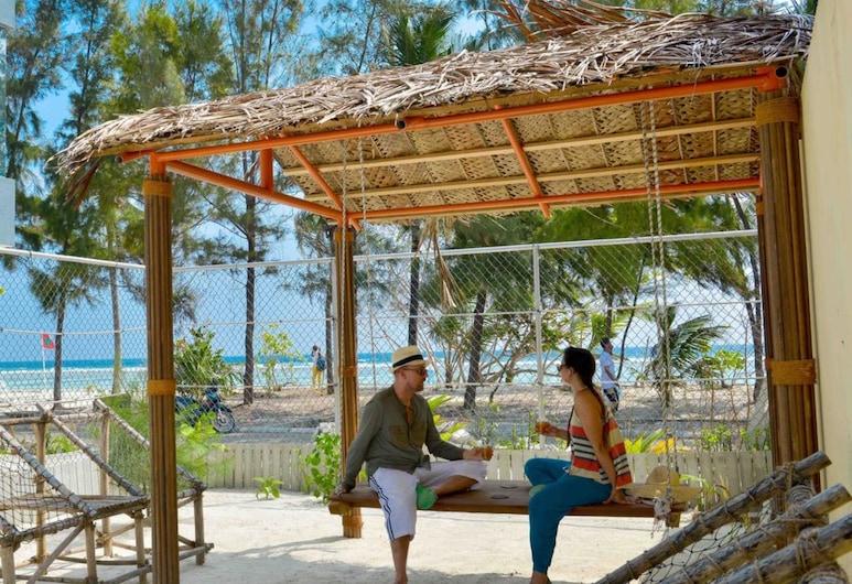 Coconut Tree Hulhuvilla Beach, Hulhumalé, Terrace/Patio