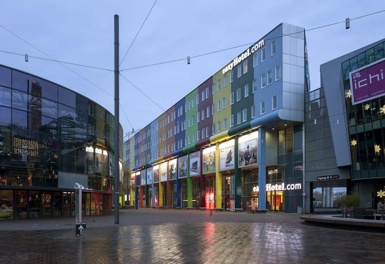 easyHotel Amsterdam Arena Boulevard, Amsterdam, Façade de l'hôtel
