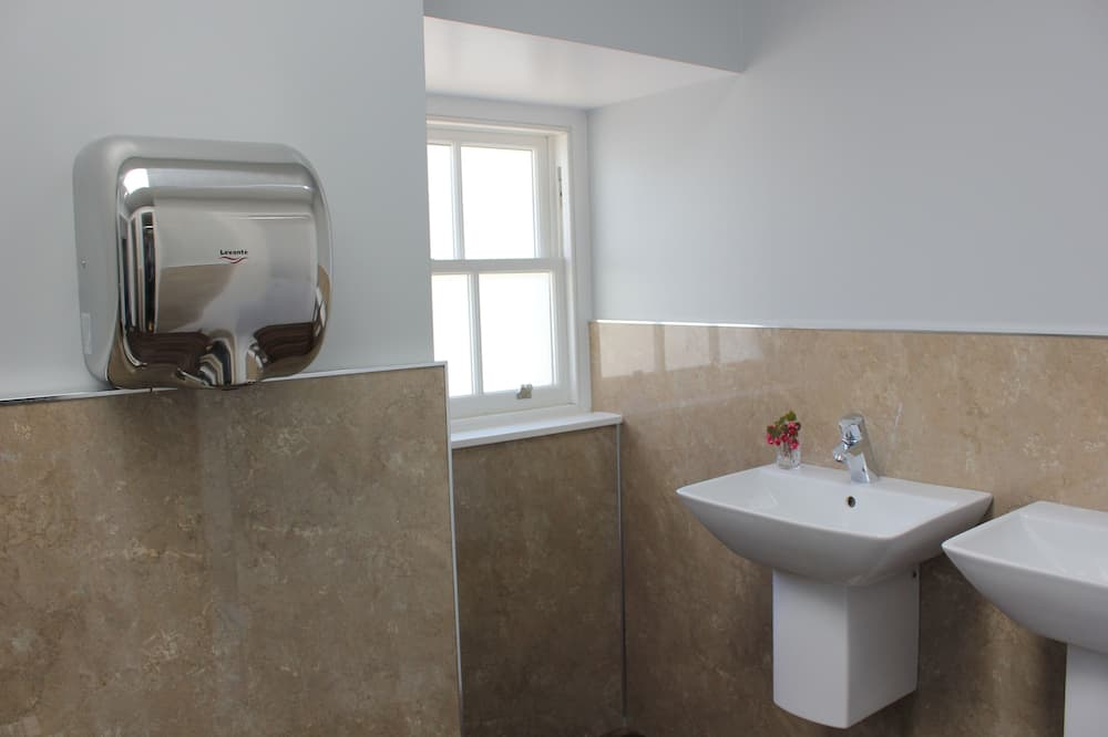 Nhà, 4 phòng ngủ - Phòng tắm