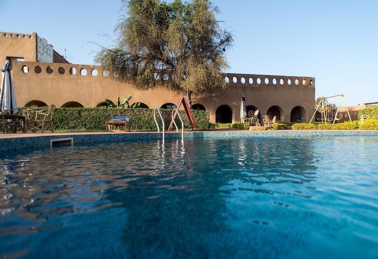 Le Grand Calao, Ouagadougou, Pool