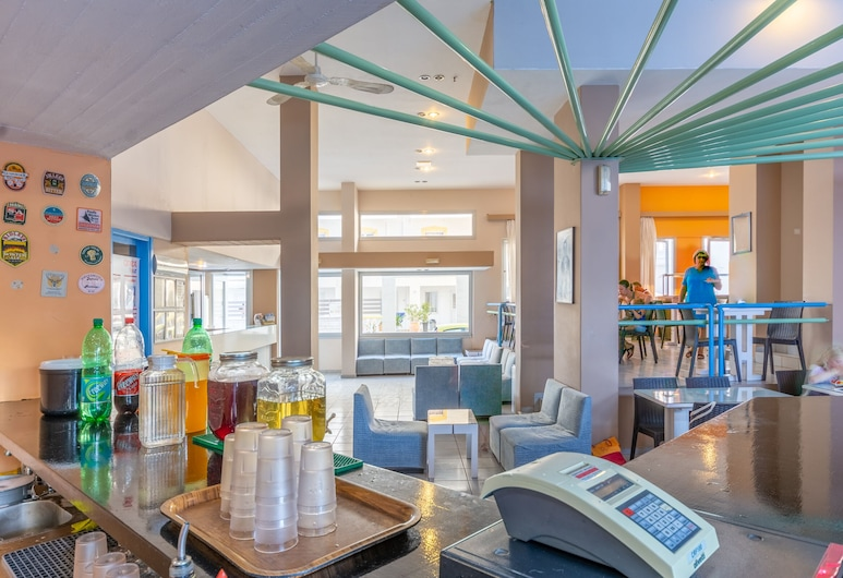 Simple Hotel Hersonissos Blue, هيرسونيسوس, بار الفندق