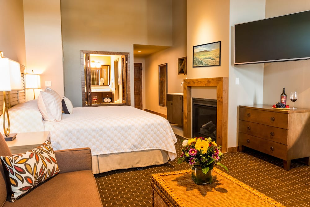Grand Δωμάτιο, 1 King Κρεβάτι με Καναπέ-Κρεβάτι, Θέα στο Ποτάμι - Περιοχή καθιστικού